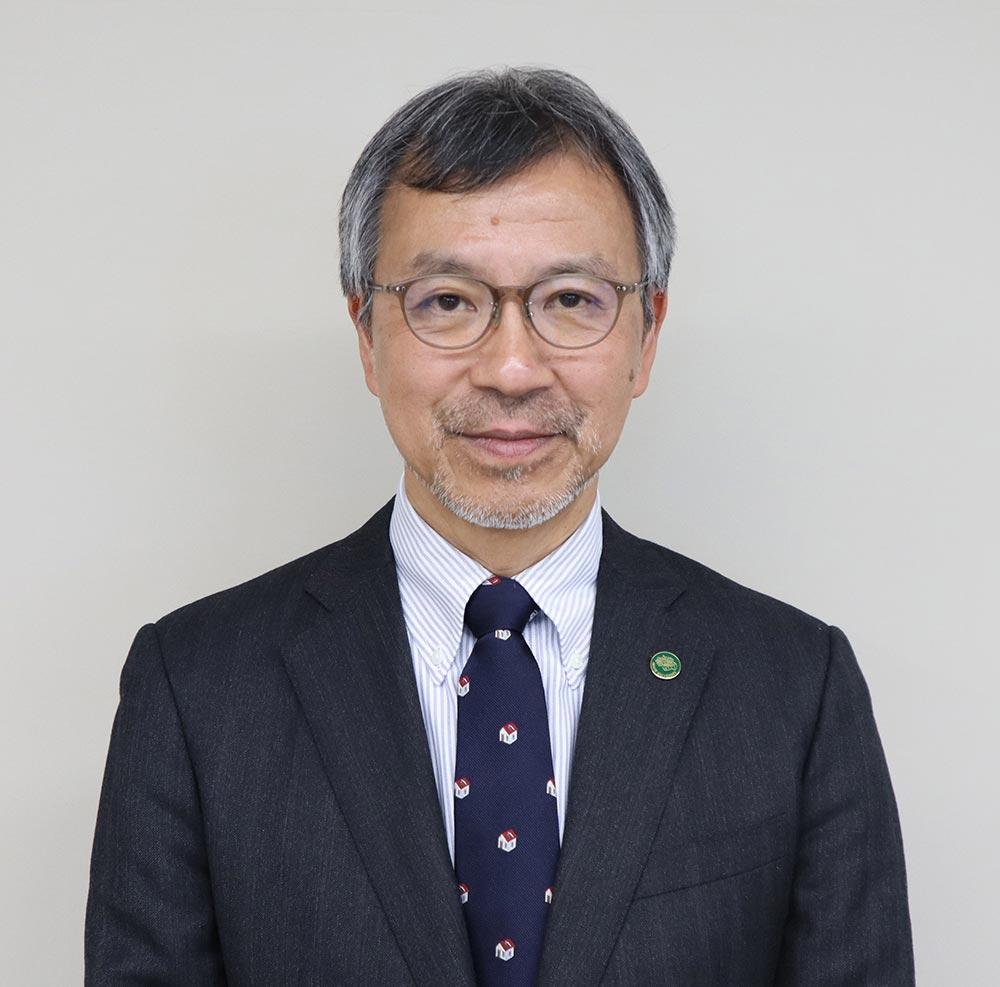 岩手大学大学院連合農学研究科長 上村 松生